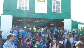WATCH| Stampede of people in and out of Lidl tent at Ploughing in Carlow