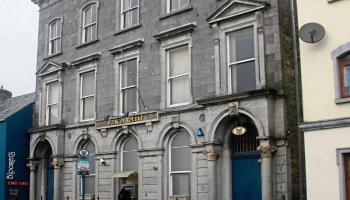 'A sad day' - 3 Bank of Ireland branches in Waterford close their doors today for the last time