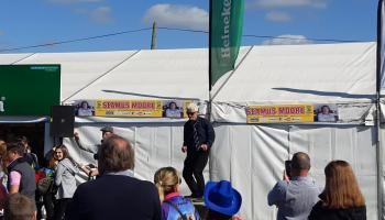WATCH| Pubs hopping at the Ploughing as one man rips it up in the sunshine